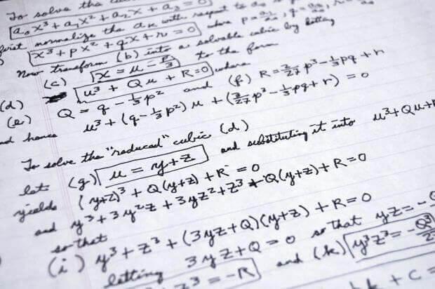 ficar rico usa Economia e matemática