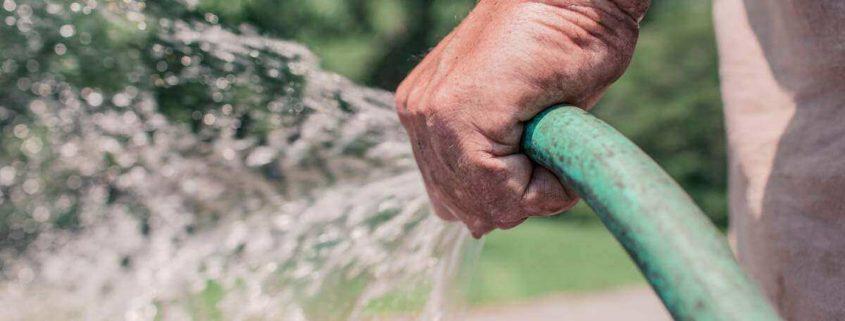 lavar calcada com agua potavel em sao paulo pode render uma multa de 250 reais