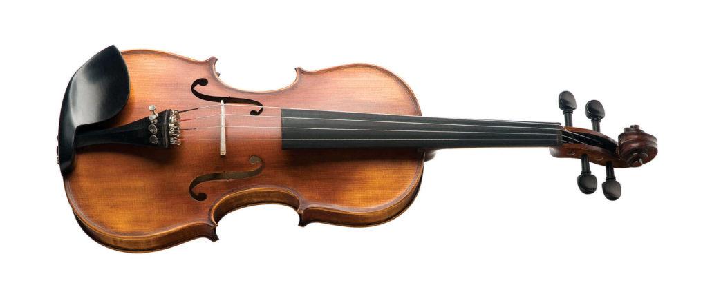 funcionario novo do local pagou 50 dolares por um violino trazido por um cliente que valia muito mais